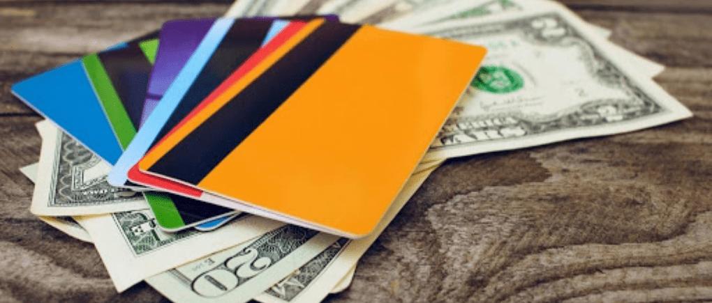 Tarjeta de crédito y dinero