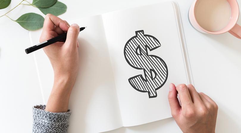 hoja con préstamo bancario dibujado